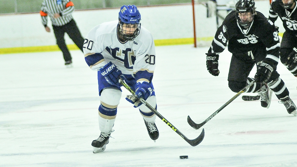 M. hockey clinging to home-ice advantage despite weekend losses